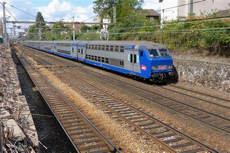 V2N : des Grandes lignes à deux niveaux - transportrail ...