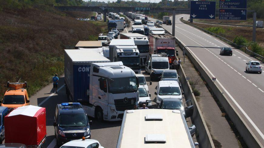 Alsace : autoroute A35, l'enfer des poids lourds