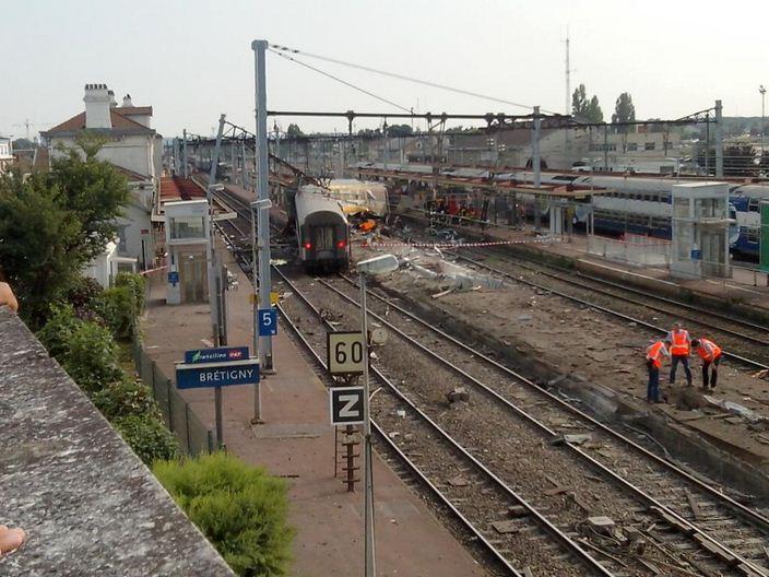 2977877_train-14.JPG