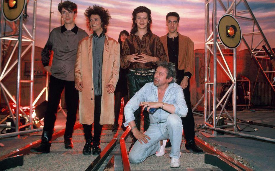 Le tournage du clip « Tes yeux noirs » d'Indochine s'est fait en trois jours et deux nuits sous la houlette de Serge Gainsbourg.