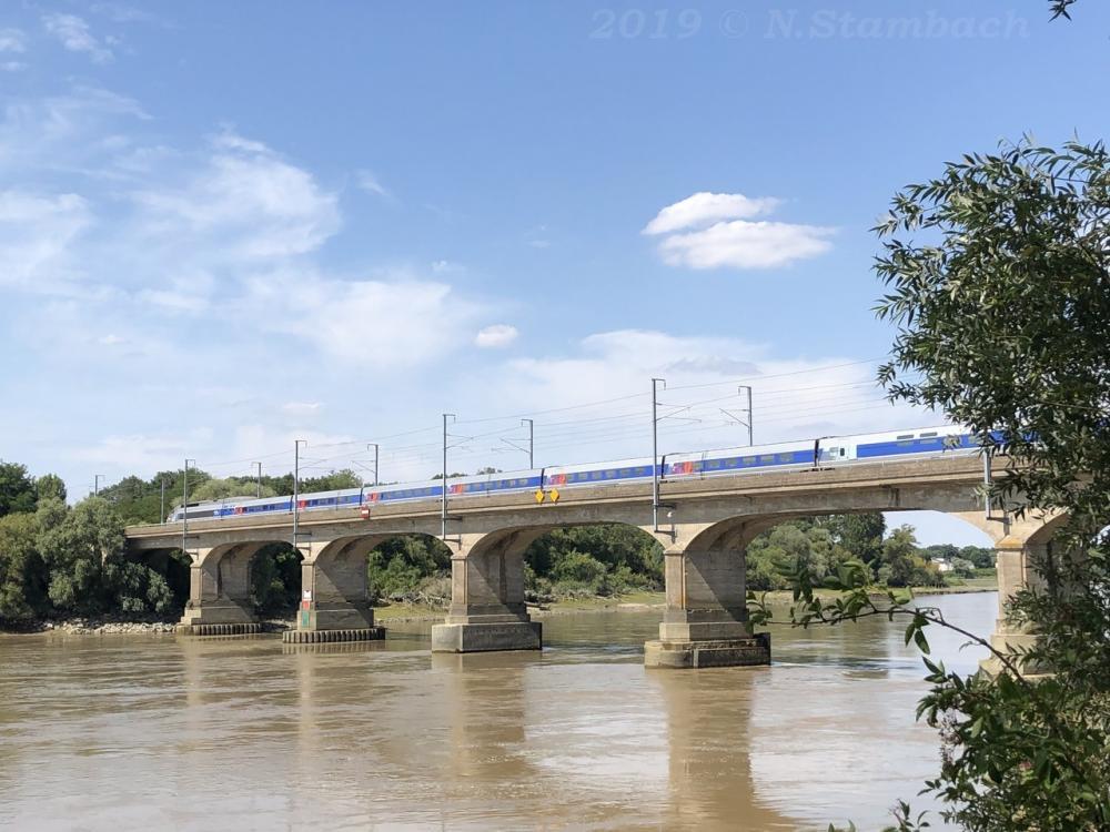 TGV-St-S-bastien-2.jpg