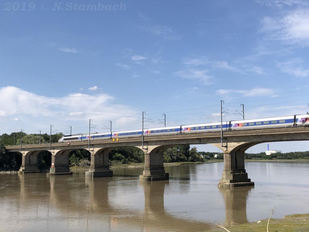 TGV-St-S-bastien-3.jpg