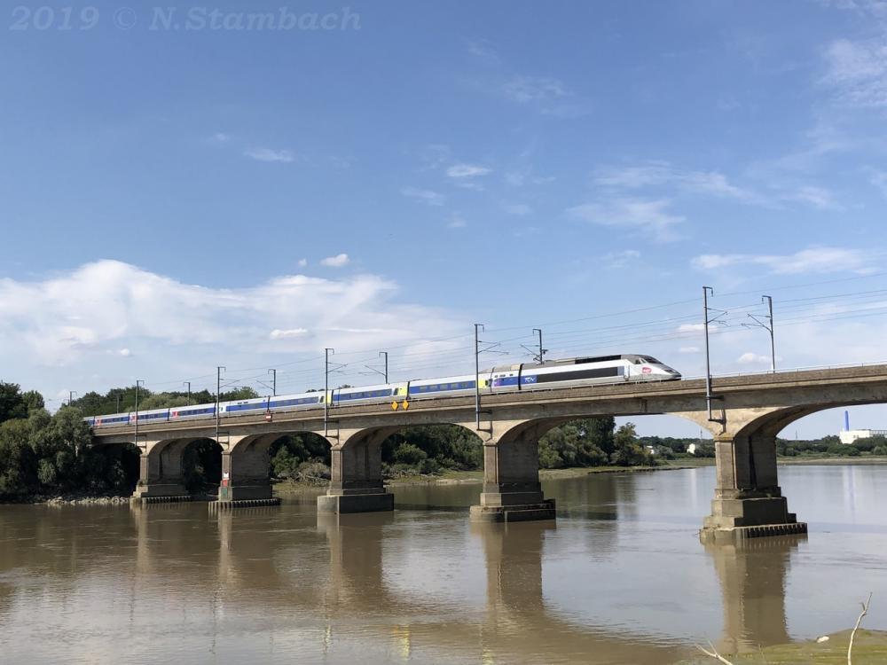 TGV-St-S-bastien-4.jpg