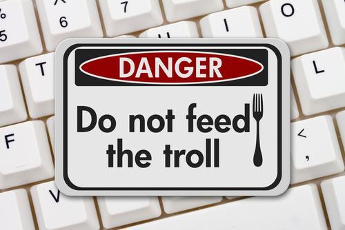 Troll: définition simple et conduite à adopter - Agence web 1min30 ...