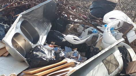 La Verpillière | Les déchets sauvages dans les marais sous haute ...