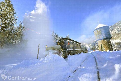 d-neigement-voie-de-chemin-de-fer-au-lio
