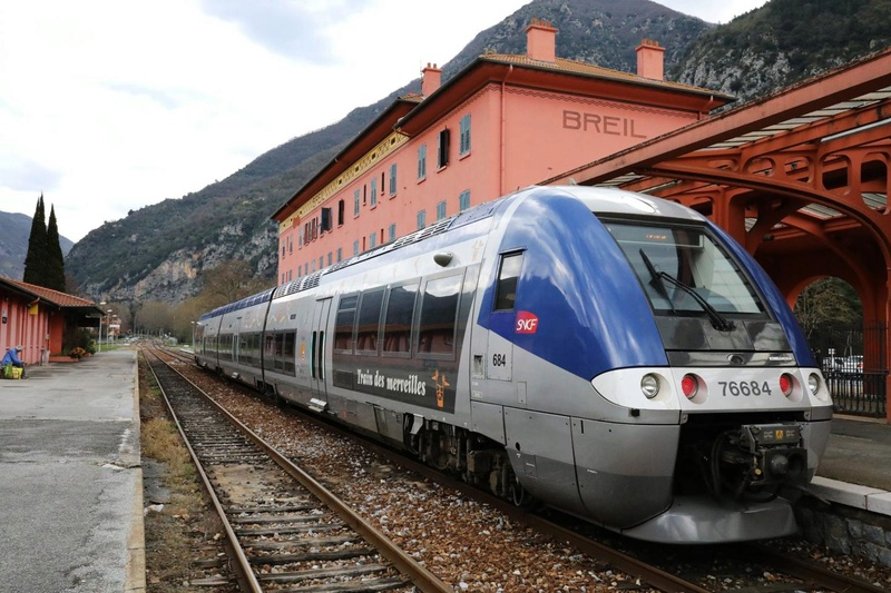 train-10.jpg
