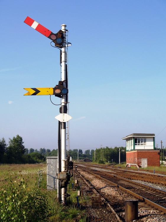 Castleton_East_Junction_signal_box_59_si