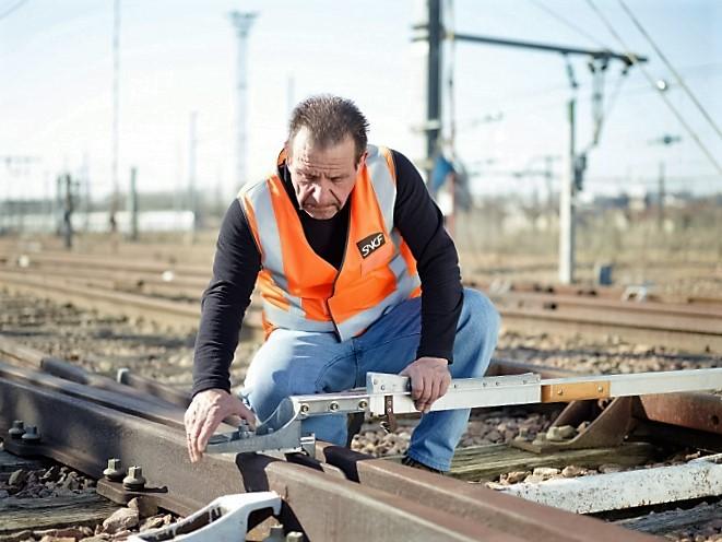 operateur_de_maintenance_et_de_travaux_des_voies_ferrees_.jpg