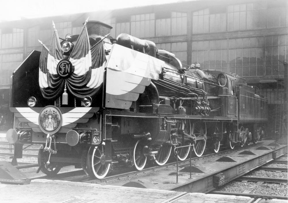 231 E 47 La Chapelle train impérial du Shah.jpg