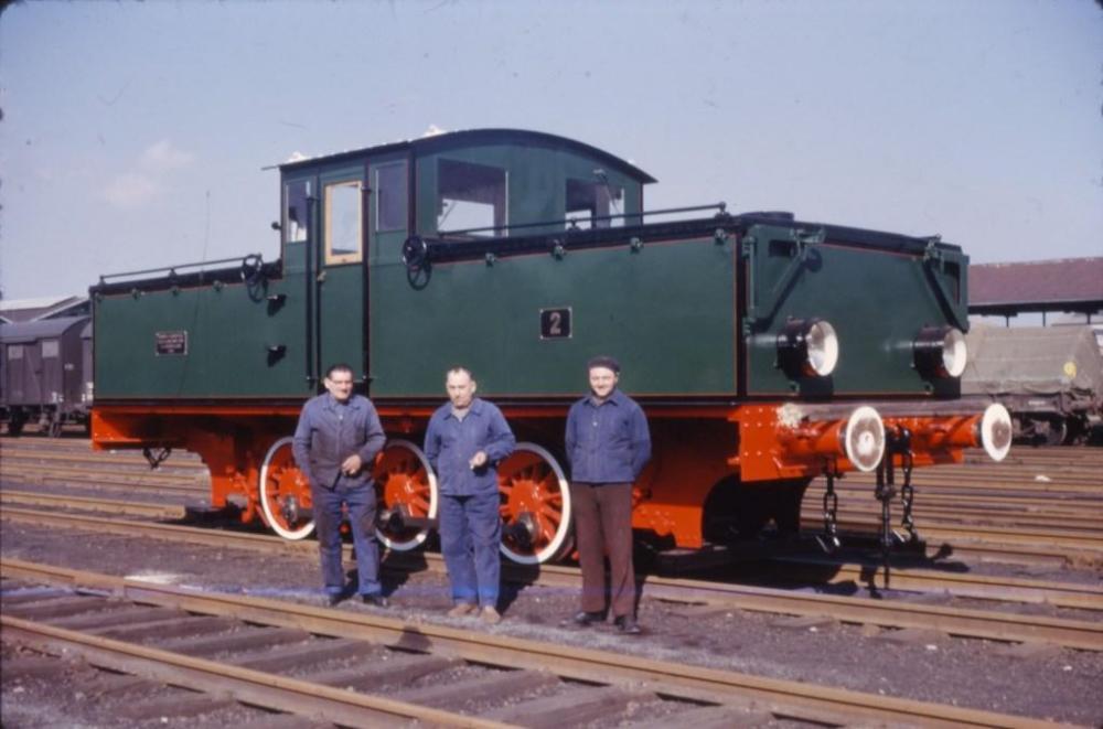 007_locotrac02.jpg
