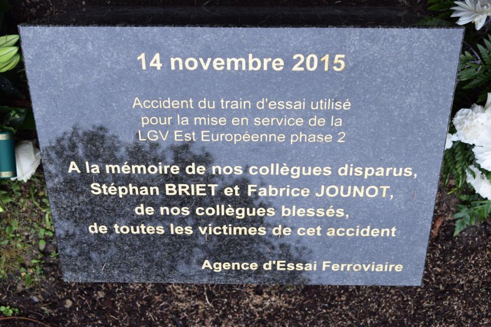 Hommage plaque AEF - .JPG