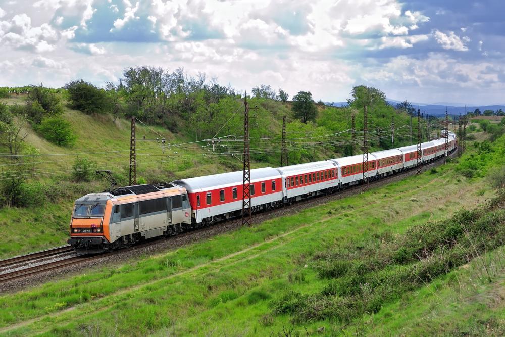 BB26166+ autozug narbonne-hambourg Nissan-lez-Enserune 03-05-2014.jpg