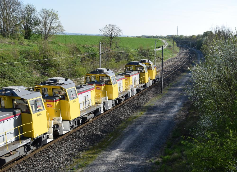 Y 9000 Train .JPG
