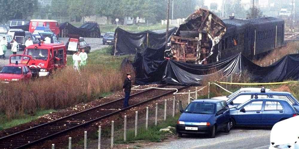 l-accident-de-chemin-de-fer-entre-un-camion-et-l-autorail-bordeaux-bergerac-survenu-a-port-sainte-foy-le-8-septembre-1997-est-le-plus-grave-accident-de-ce-type-qu-ait-connu-la-gironde.jpg