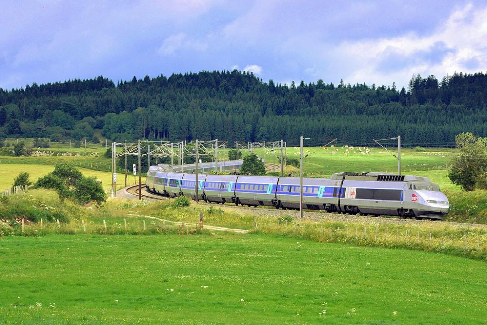 TGV_PSE_Lyria_Courvières.jpg