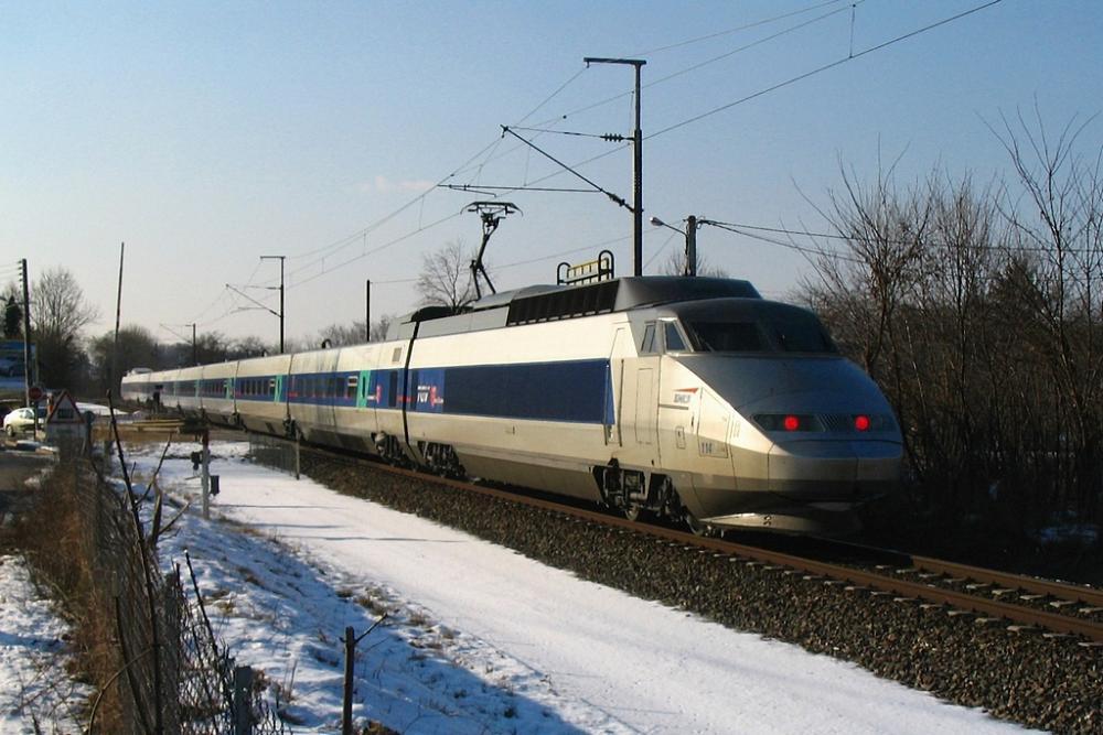 TGV_SE_Ligne_de_Coeur_Dole.jpg