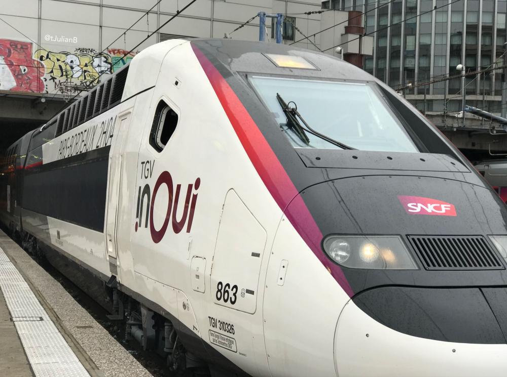 TGV 3UFC 863 prêt au départ à Paris Montparnasse