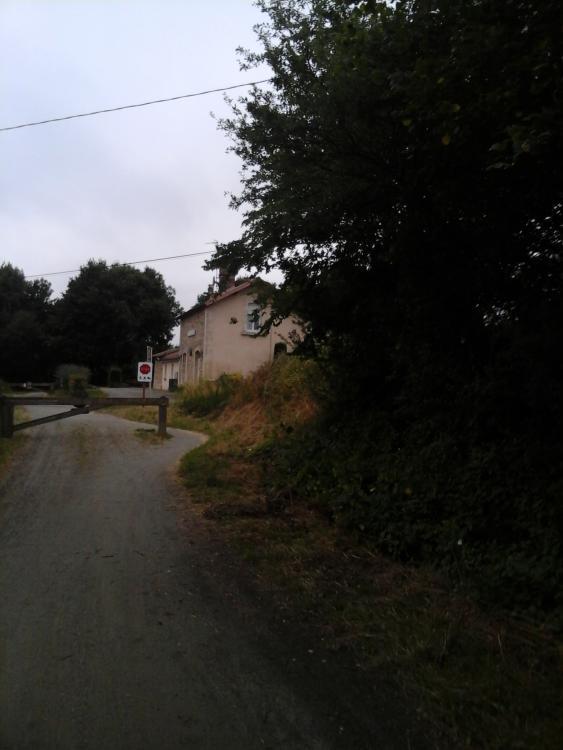 L'arret Loupfougeres, de la ligne Mayenne - Marcille-la-Ville - Chapelle-au-Riboul- Javron-les-Chapelles.jpg