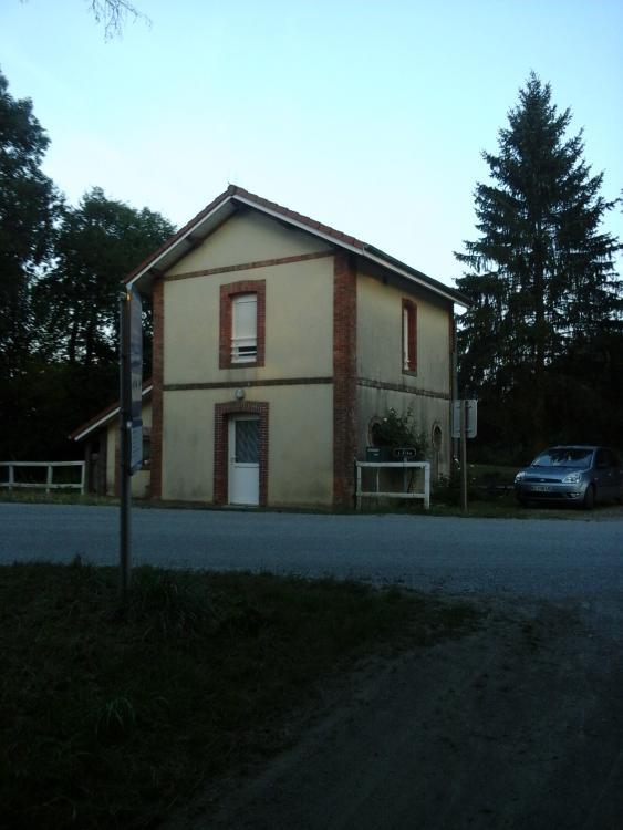 Halte L'Elee (ancienne ligne Mayenne - Javron-les-Chapelles).jpg