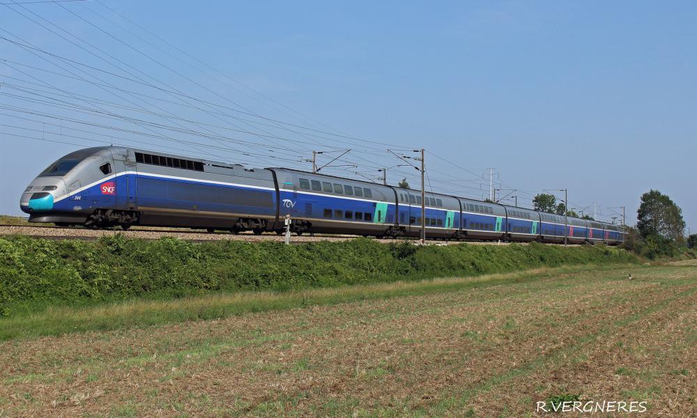 TGV 244 Pelerin.jpg