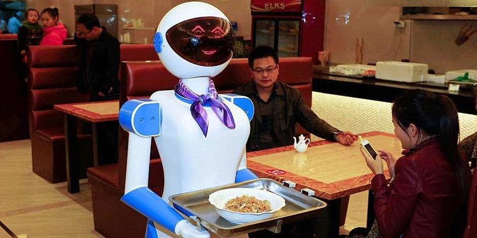 robot-waiter1.jpg.281a16a452e3c9b2887c2bdd9b272162.jpg