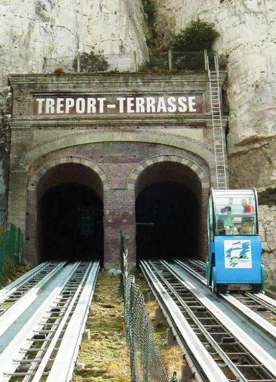 1280px-Funiculaire_Le_Treport-1.thumb.jpg.96cf315902d64020d5f27a3adcdeb6ac.jpg