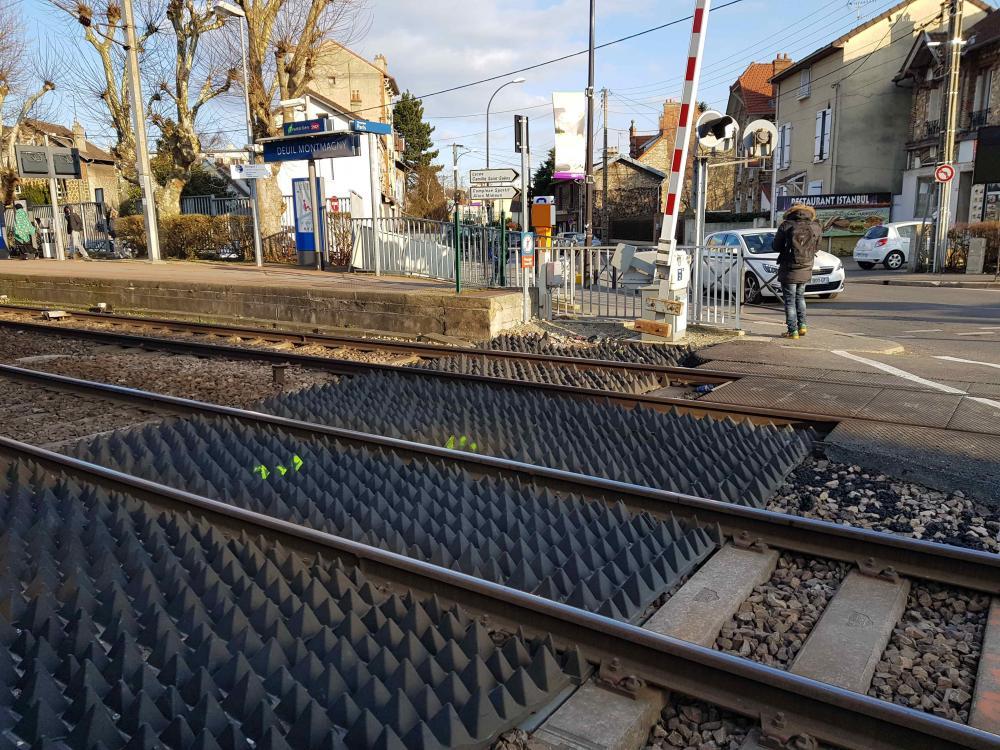 Panneaux Anti-Intrusions - P.N. 4 Deuil-Montmagny .jpg