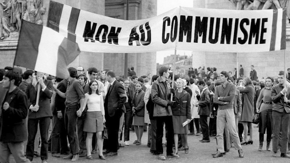 jeunes-militants-droite-manifestent-devant-lArc-triomphe-1968_0_1398_786.thumb.jpg.007e9af9af50e3a973c9d2208e18cd9a.jpg