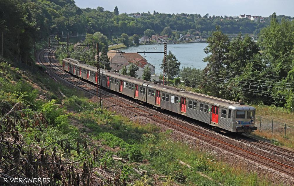 Z 5353 Le Coudray Seine.jpg
