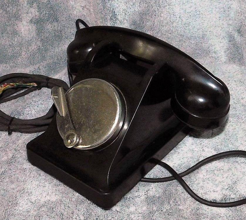 Ancien-Telephone-Bakelite-Ericsson-U43-Noir-A-Magneto-_57.thumb.jpg.7c0651bccdbf3b886e9925af8f42ce02.jpg
