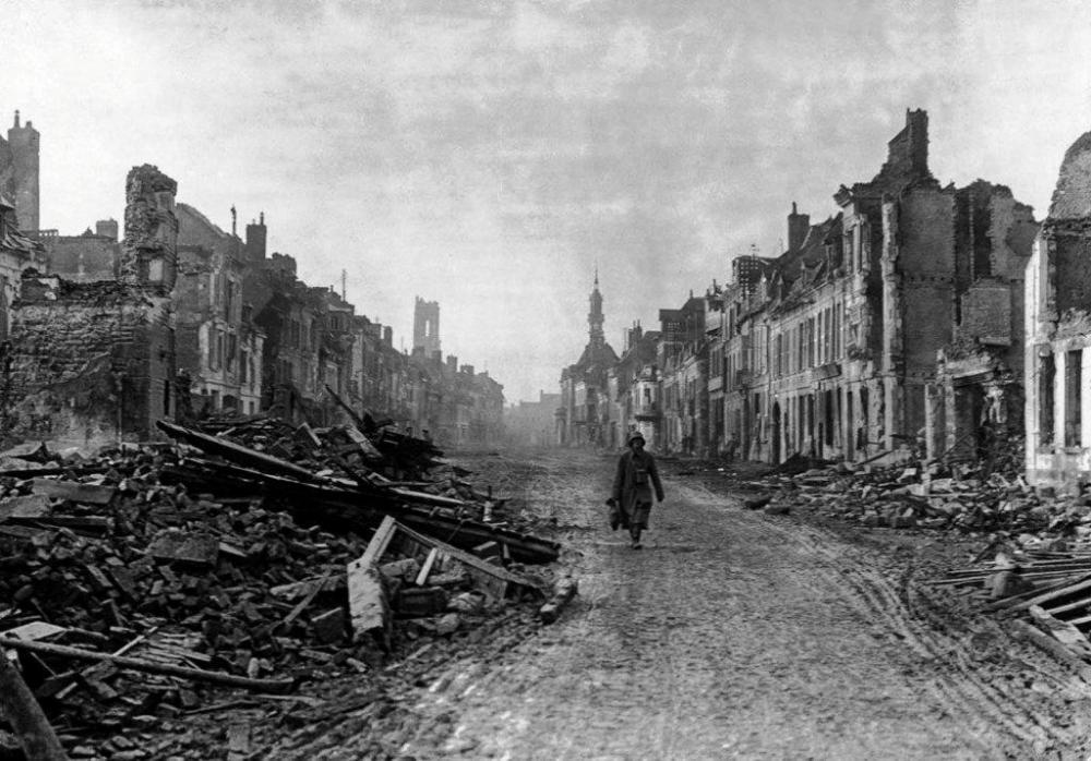 1043497819_battle_of_the_somme_in_pictures_3peronne5.thumb.jpg.488a033f57ebe96df2a55440bd46b5af.jpg