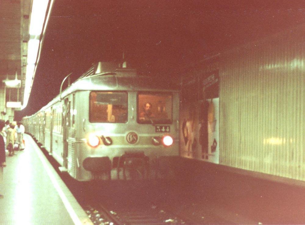 Paris gare d'Austerlitz en 1983.jpg