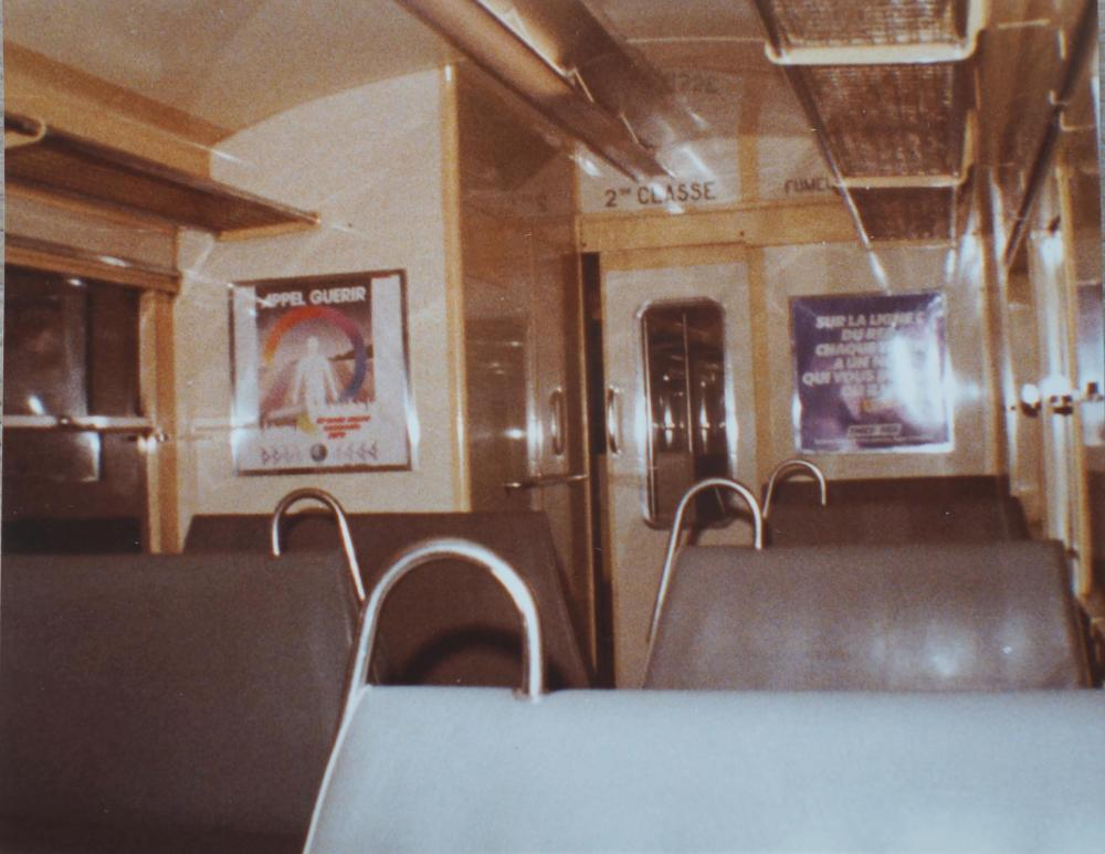 002 Septembre 1980 Banquettes grises d'origine.jpg