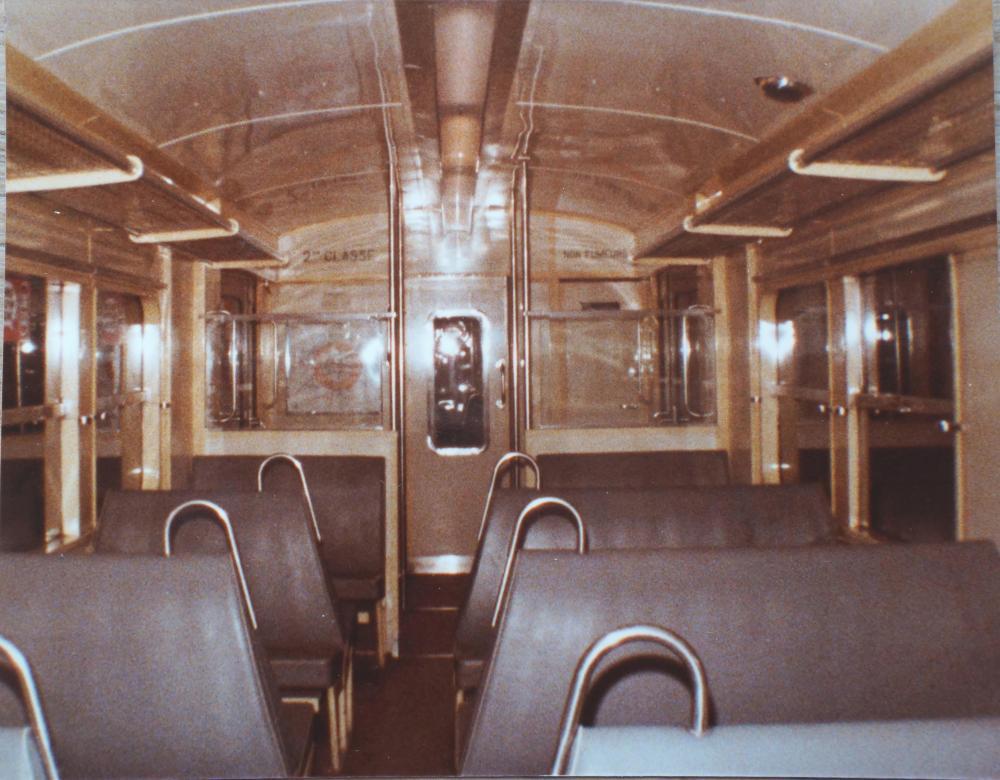 001 Septembre 1980  Z 5300 Banquettes grises d'origine.jpg