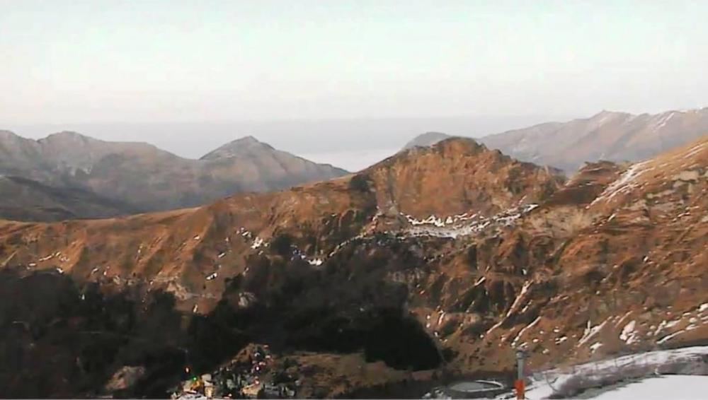 -la-neige-se-fait-attendre-dans-les-stations-de-ski-des-pyrenees.thumb.jpg.ab0a5f3d6cbc8efebae5c6dd390721d9.jpg