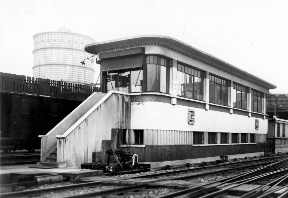 poste d'aiguillages de l'Évangile, construit dans les années 30.jpg