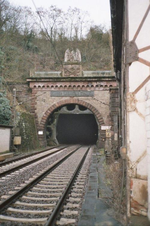 Kaiser_Wilhelm_Tunnel_Cochem.jpg