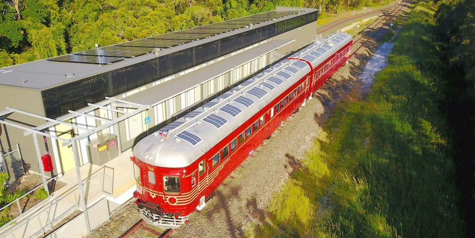 after-13-years-there-is-activity-on-the-byron-bay-train-line-with-the-launch-of-the-worlds-first-solar-train-e1513613185680-1500x844-1514412197.jpg