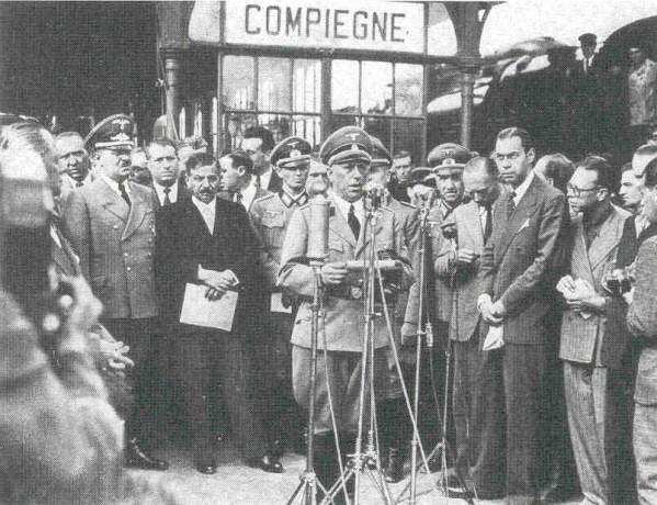 Laval-a-Compiegne-11-aout-1942.jpg.0055f8c6fa6267f5801a272e0fe5ce57.jpg