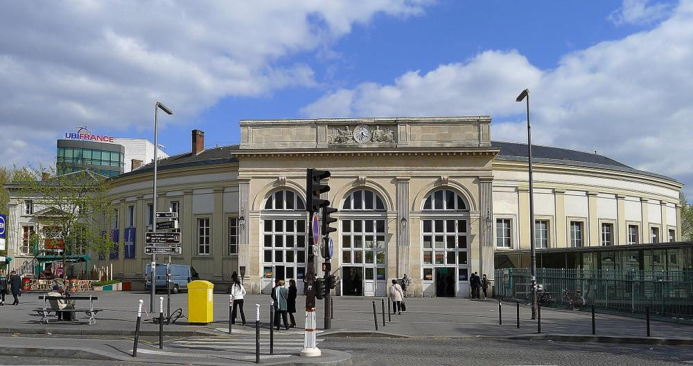 P1090782_Paris_XIV_gare_Denfert-Rochereau_rwk.JPG