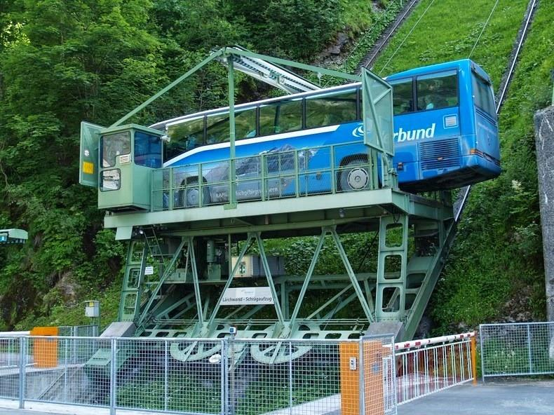 larchwandschragaufzug-le-funiculaire-le-plus-grand-d-europe-4.jpg