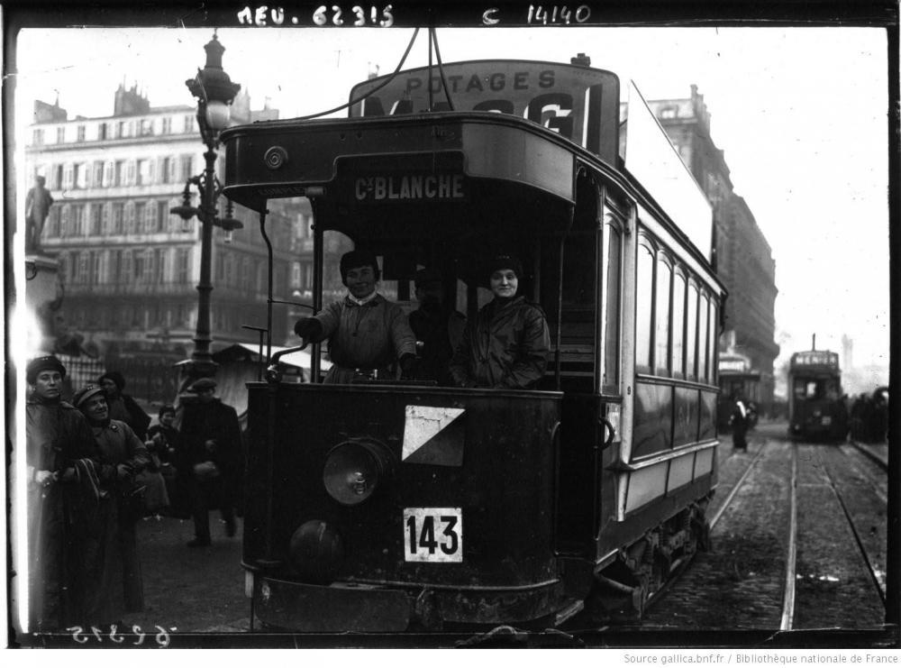 A_Bordeaux_les_femmes_conductrices_[...]Agence_de_btv1b90448843.JPEG