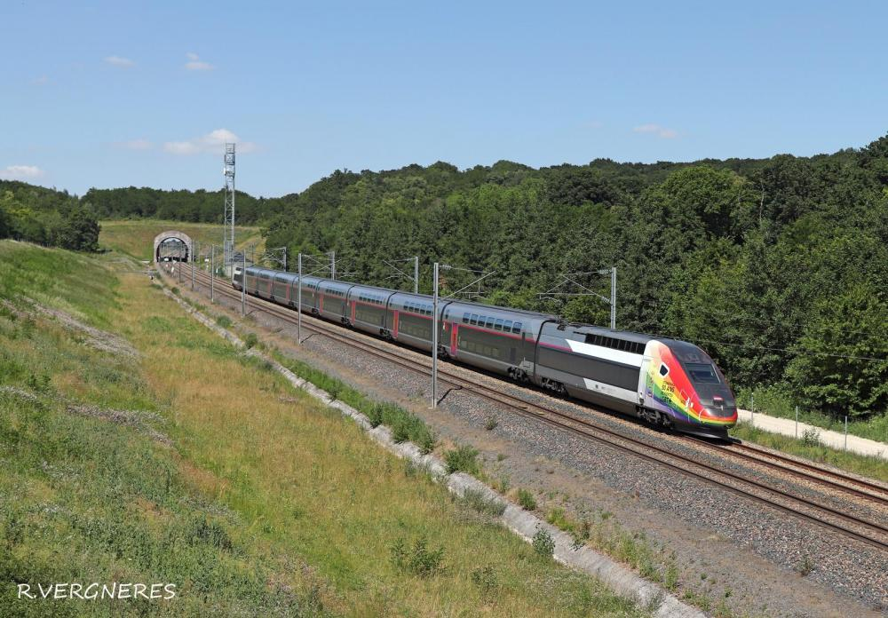 TGV 4712 LGBT.jpg