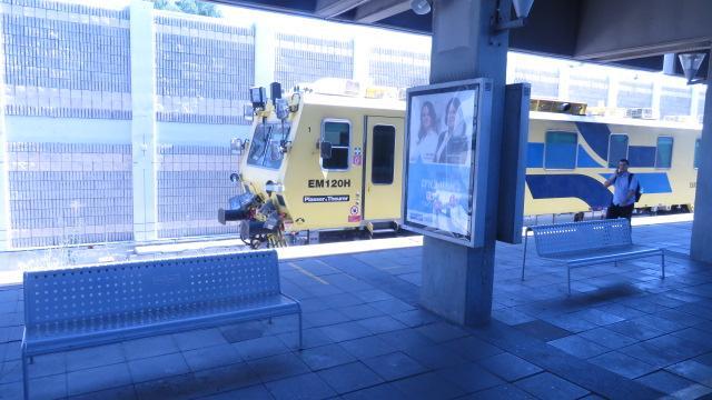 Véhicule de géometrie de la voie dans une gare de Tel Aviv, 21.07.2019.JPG