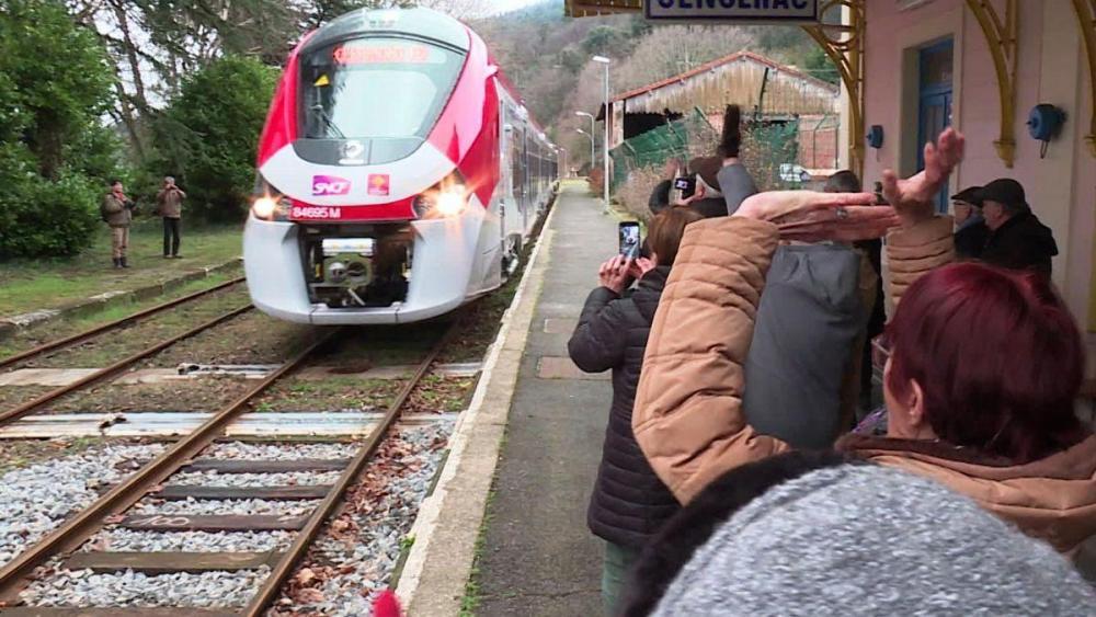 m_retour_du_train_cevenol-3.thumb.jpg.fd13d2b0138584445fa4f1a6cacd075e.jpg