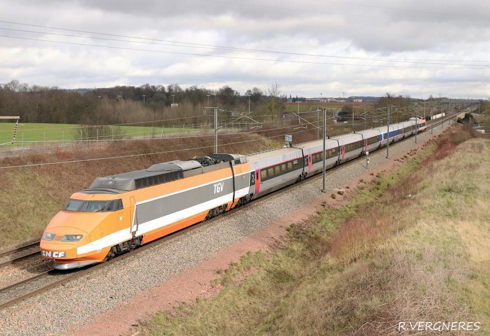 TGV 01 VEMARS PK 10 LGV NORD.jpg