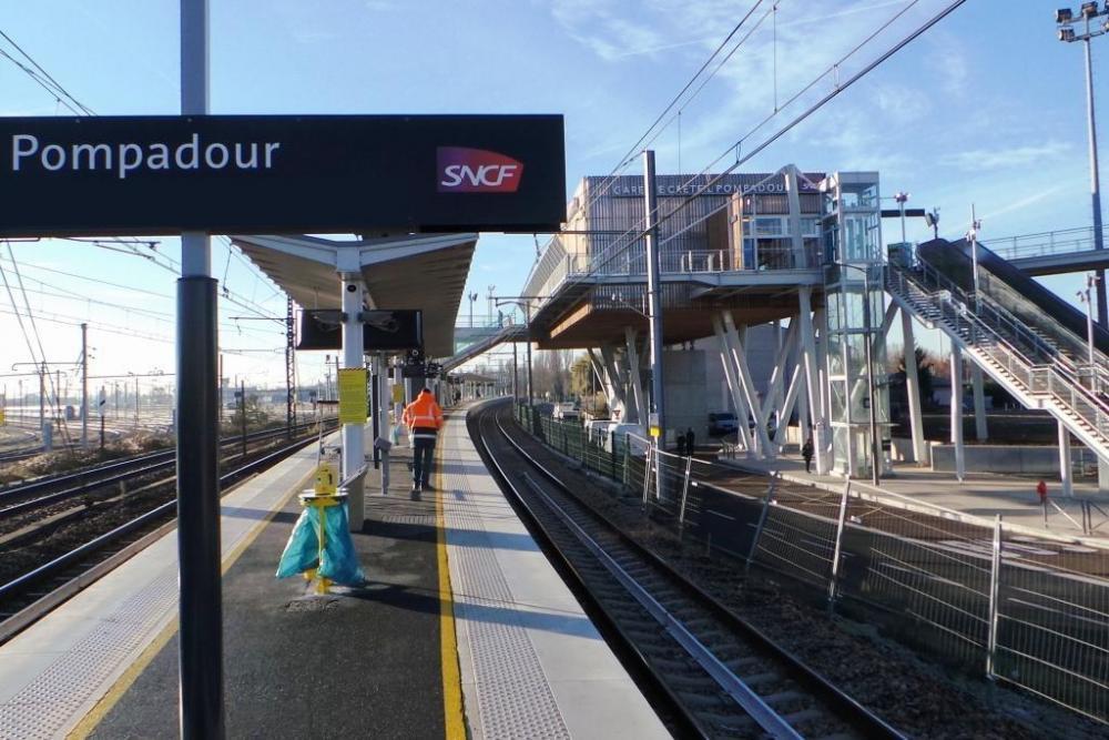 Gare_de_-Pompadour.thumb.jpg.3d8cb8fefa1e54268b2d5ced8c75a3e5.jpg