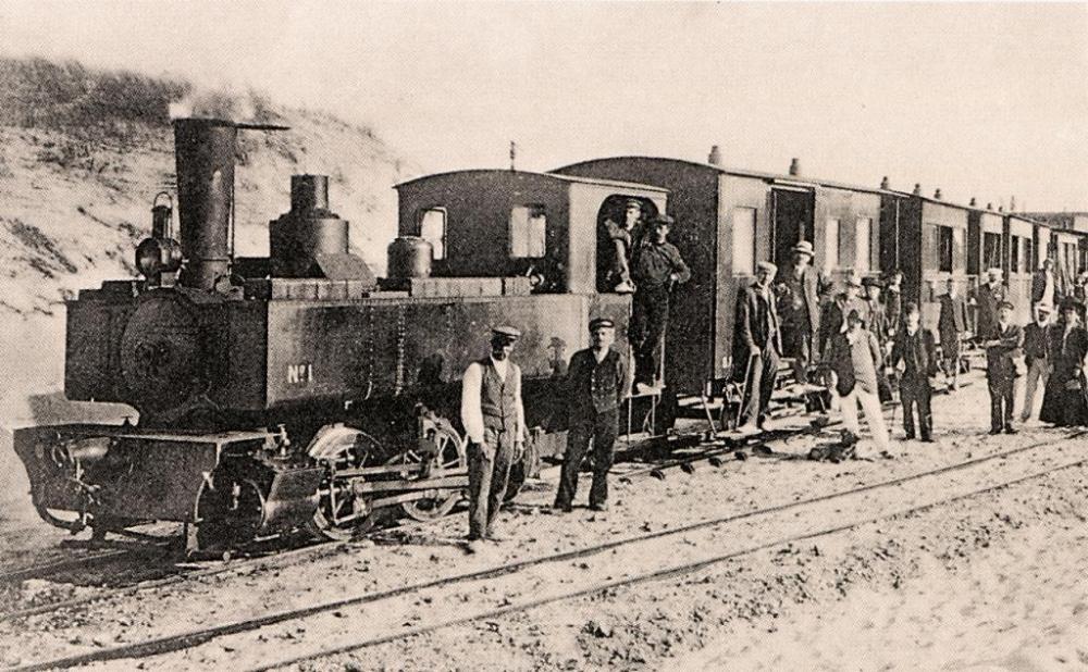 1078509019_Au_milieu_des_dunes_train_prs_de_Merlimont.thumb.jpg.26f52e8b16f0345ca676f5ba15f5997f.jpg